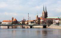 Rynek sprzedaży domów we Wrocławiu – dowiedz się, czym kierują się kupujący w poszukiwaniu wymarzonych czterech ścian!